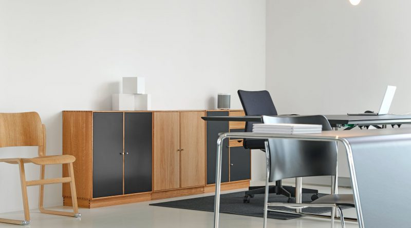 Global Institutional And Office Furniture Market