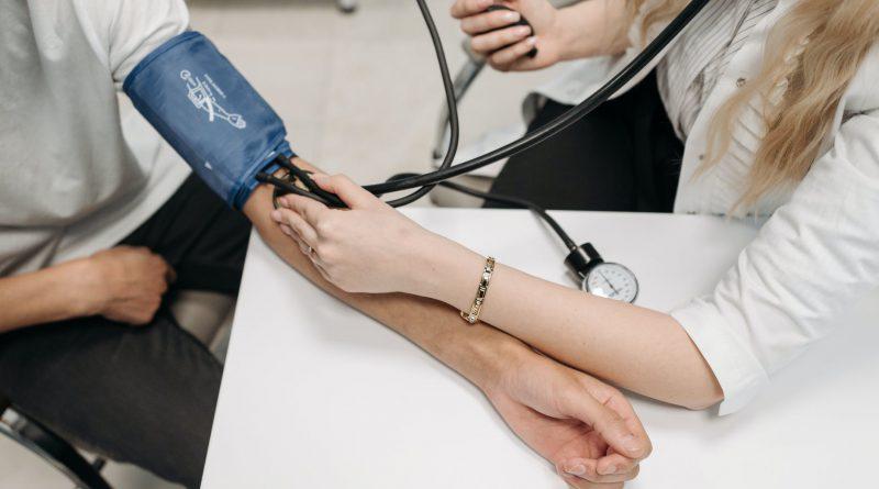 Wearable Blood Pressure Monitor Market